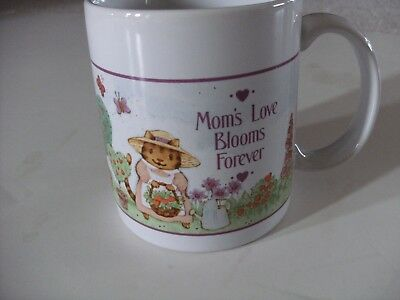 MOMS Love Blooms Forever coffee Cup / Mug - NIB AVON Gift Collection
