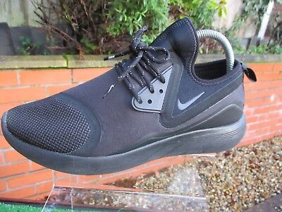 detailed look 26389 dec01 Authentic Nike Lunarcharge Essential Triple Black Mens Trainers Size Uk 9