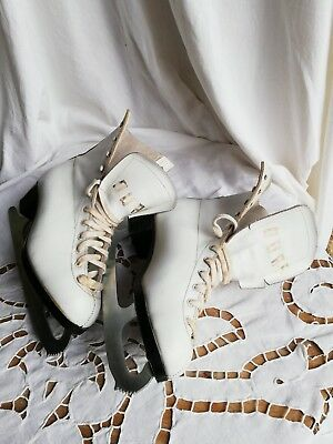 PATIN À GLACE PATINAGE Ours Made in Canada Cuir  Blanc  pointure 38 VINTAGE