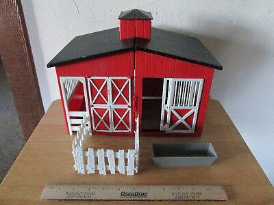 Stablemates Red Barn Pretend Play Plastic Horse Stable With Fence And Trough