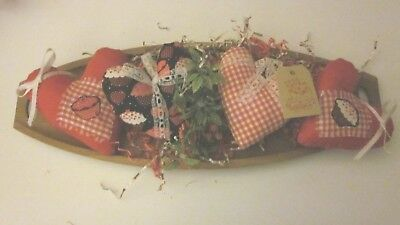 Primitive Valentine's 4 Red Plaid/solid/.cupcake  Heart Bowl Filler Size 5.5In
