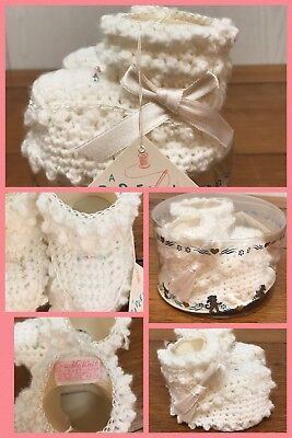 1960s BABY BOOTIES Handmade Shoes Infant White CRADLE KNIT Vintage NEW Sz 1