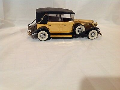 car model lincoln 1:18, 1928, With AM Radio that Works, Gold And Black, Metal