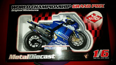 Valentino Rossi Guiloy 1:6 Yamaha YZR-M1 (Versione 2005)