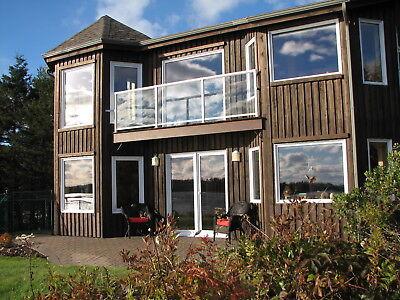 Beautiful 2bedroom oceanfront home on 10 acre property. Perfect retreat!