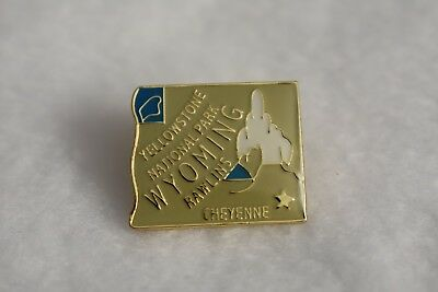 Wyoming State colorful lapel pin Nice NEW!!!