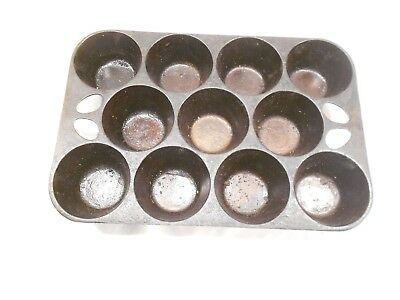 VINTAGE CAST IRON No. 10 POPOVER / MUFFIN PAN, MADE IN USA ,11 CUP