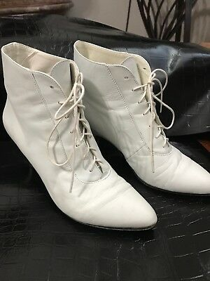 50f53e53787 Brass Plum Shoes Women Vintage White Leather Lace Up Booties Boots Size 5  1 2M