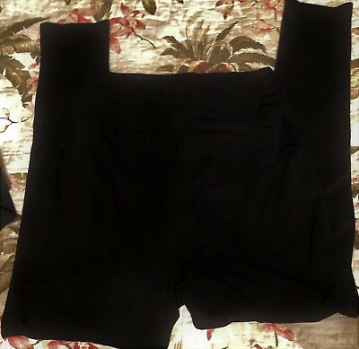 Liz Lang Maternity Leggings M/M EUC inseam 30 Black ponte w flex panel