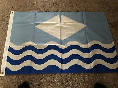 Isle Of Wight New Style Waves Flag -  3 X 2 Ft 100% Polyester - English Island