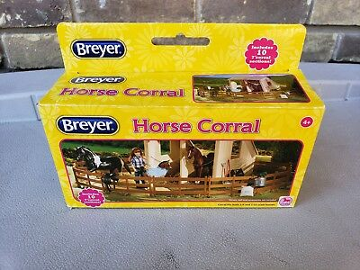 """2018 Breyer ~ 10 - 7"""" Horse Corral Sections (Fits 1:9 & 1:12 Scale Horses)"""