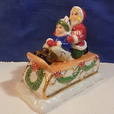 Charter Club  Winter Garland Christmas Town Covered Butter Dish  - 2001 - Euc