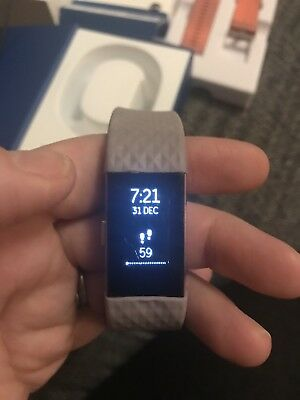 FITBIT CHARGE 2 Hr Large Rose Gold Plus Extra Strap And Charger Boxed