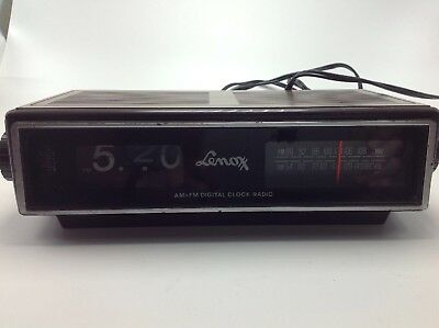 Vintage 1970s Lenoxx CR 617 Flip Clock Alarm AM/FM Radio Not Working