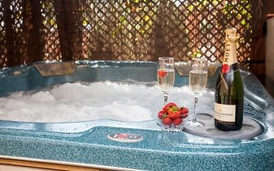 5* Country Holiday Cottage Private Hot Tub, Fishing, Romantic Break, Sleeps 4