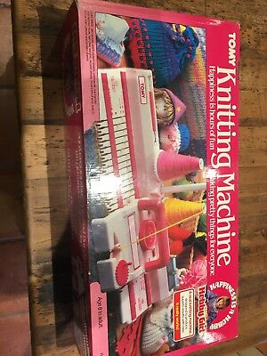 Tomy hobby girl knitting machine vintage 1980s retro toy.