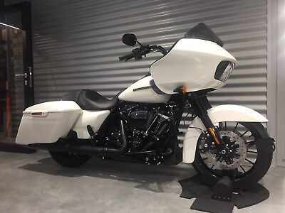 Harley-Davidson FLTRXS Road Glide Special 107 MY2018