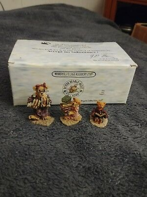 Boyds Villages Figurines Public Libeary