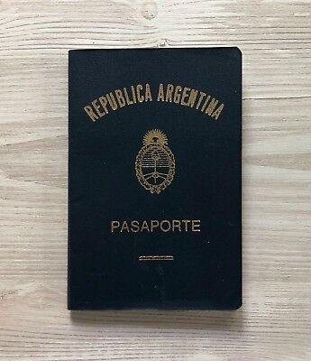 ARGENTINA collectible 1986-2000 passport travel document (invalid/expired)