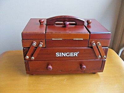 Vintage SINGER Accordian Wooden Sewing Box In Cherry