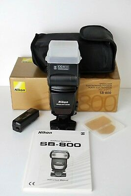 Nikon SB800 Speedlight in Great Condition with Accessories
