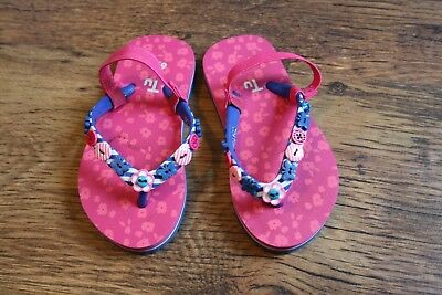 450a5c9552d82 Pair of Girls Size 6 7 Infant TU Flip Flops with heel strap - Buttons