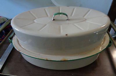 Large Vintage 1950s Enamelware Oval Roaster Oven Roasting Dish  Cream & Green
