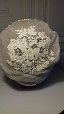 Coiffe Ancienne Broderies / Dentelles .