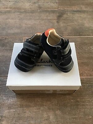 25c1cd5291e6 CLARKS BABY BOY 3G Navy Leather First Shoes - £10.00 | PicClick UK