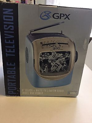 """Vintage Black & White 5"""" GPX TVP2 Portable TV With AM FM Radio Mint In Box"""