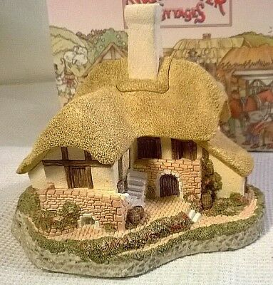 """David Winter Cottages 1988 """"BLACK BESS INN"""" Guild #3 - Signed  - NEW IN BOX"""