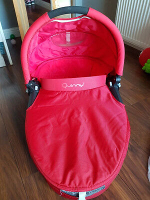 Quinny Buzz Carrycot RED + raincover
