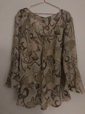Stunning Vintage Top With Bell Sleeves Size 26 A1