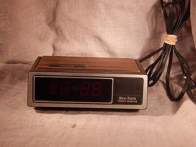 Vintage Ken-Tech Digital Radio Alarm Clock T-2077 Wood Grain WORKS