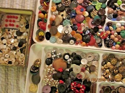 Antique -vintage lot buttons celluloid MOP Bakelite metal buffed 3 1/3 lbs