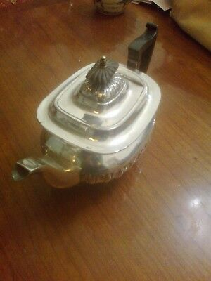 Antique Georgian style Silver plated Teapot. Walker and Hall mark. Sheffield.