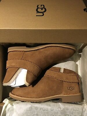 67d29935580 UGG MCKAY CHESTNUT Suede Sheepskin Womens Ankle Boots Us 9.5 New