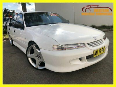 1996 Holden Commodore VS Executive Sedan 4dr Man 5sp 5.0i White Manual M Sedan