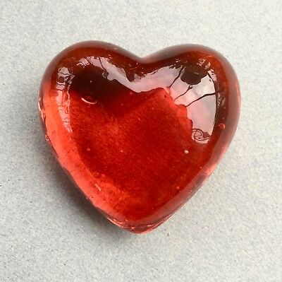Presse papier ancien forme Coeur verre rouge - Red glass Heart shape Paperweight