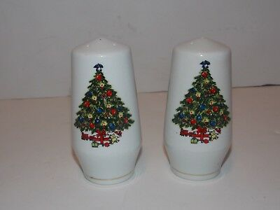 Sea Gull Fine China Christmas Tree Jian Shiang Salt and  Pepper Shaker