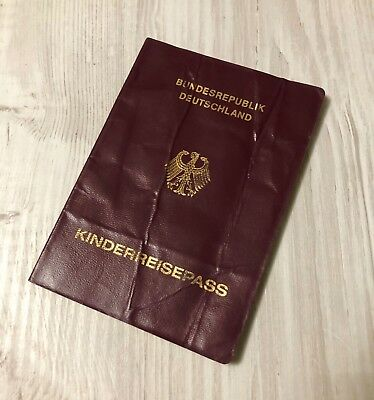 GERMANY collectible 2011 child's passport (invalid/expired) **VERY RARE**