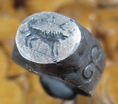 Stunning Unique Ancient Roman Silver ring Senatorial Legionary ROMA - SHE WOLF
