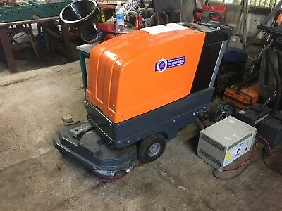 Taski Combimat 1600 Floor Cleaner / Polisher - Fully Working Excellent Condition