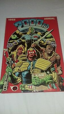 2000AD  Annual 1982: Tharg/Judge Dredd/Flesh - Very good condition.
