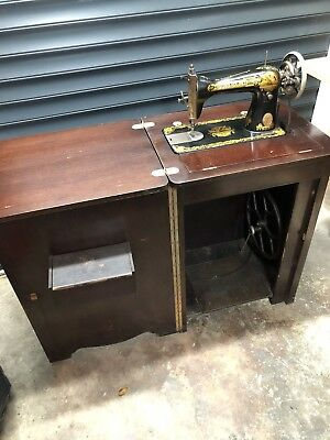 Vintage 1920's Table Cabinet With Singer Treadle Sewing Machine 79x57.5cm