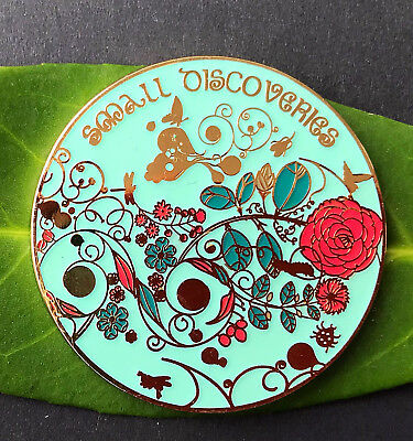 Small Discoveries Geocoin- Artist Edition Shiny Gold
