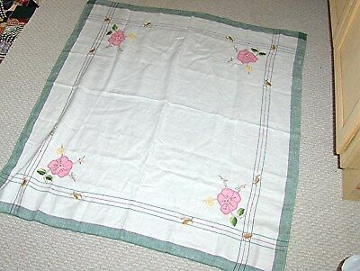 Vintage Hand Embroidered Table Cloth     FREE SHIPPING