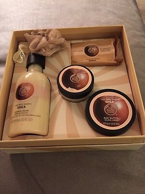 The Body Shop Large Festive Gift Set Shea Butter Christmas Gift