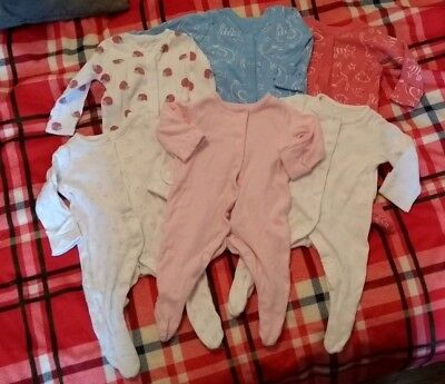 up to 1 month girls clothes bundle