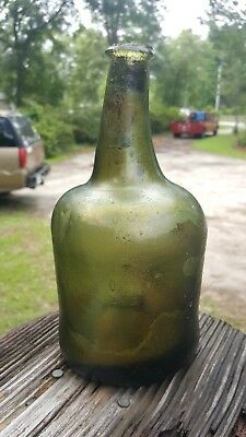 CRUDE HAND BLOWN PONTILED SC colonial blackglass bottle.
